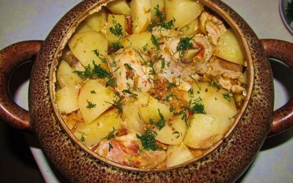 Горшочки с мясом и картофелем и овощами в духовке рецепт