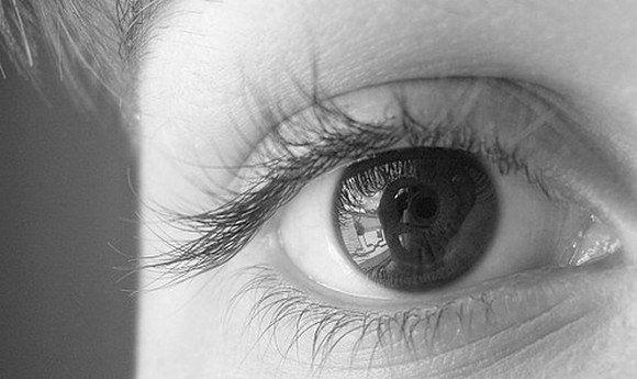 черно белое глаза фото