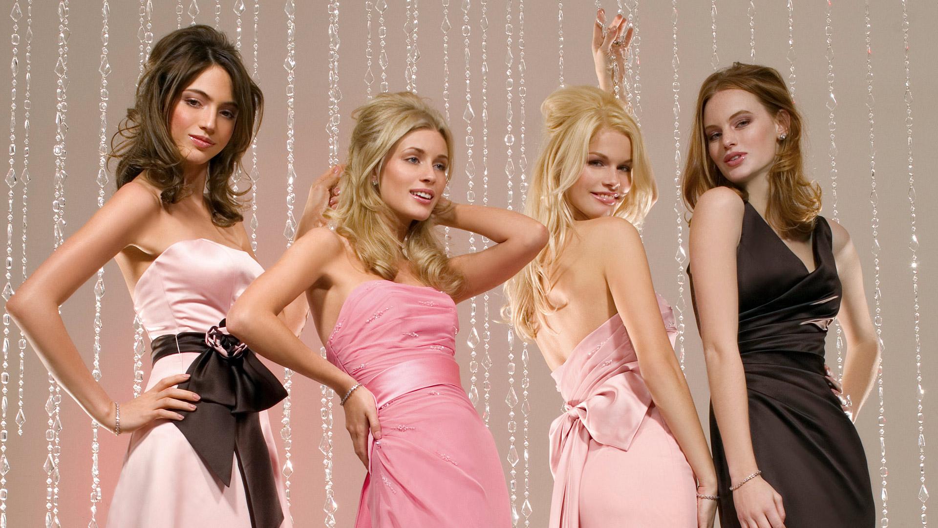 Скачать фото девушек вечерних платьях