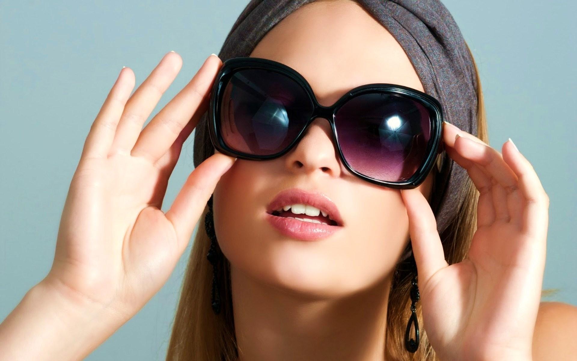 Картинка Девушка в солнечных очках » Девушки » Картинки 24 - скачать ... 492d86b643b
