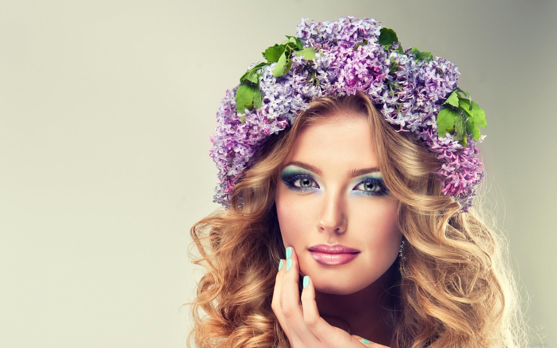 Скачать картинку девушка с цветами 6