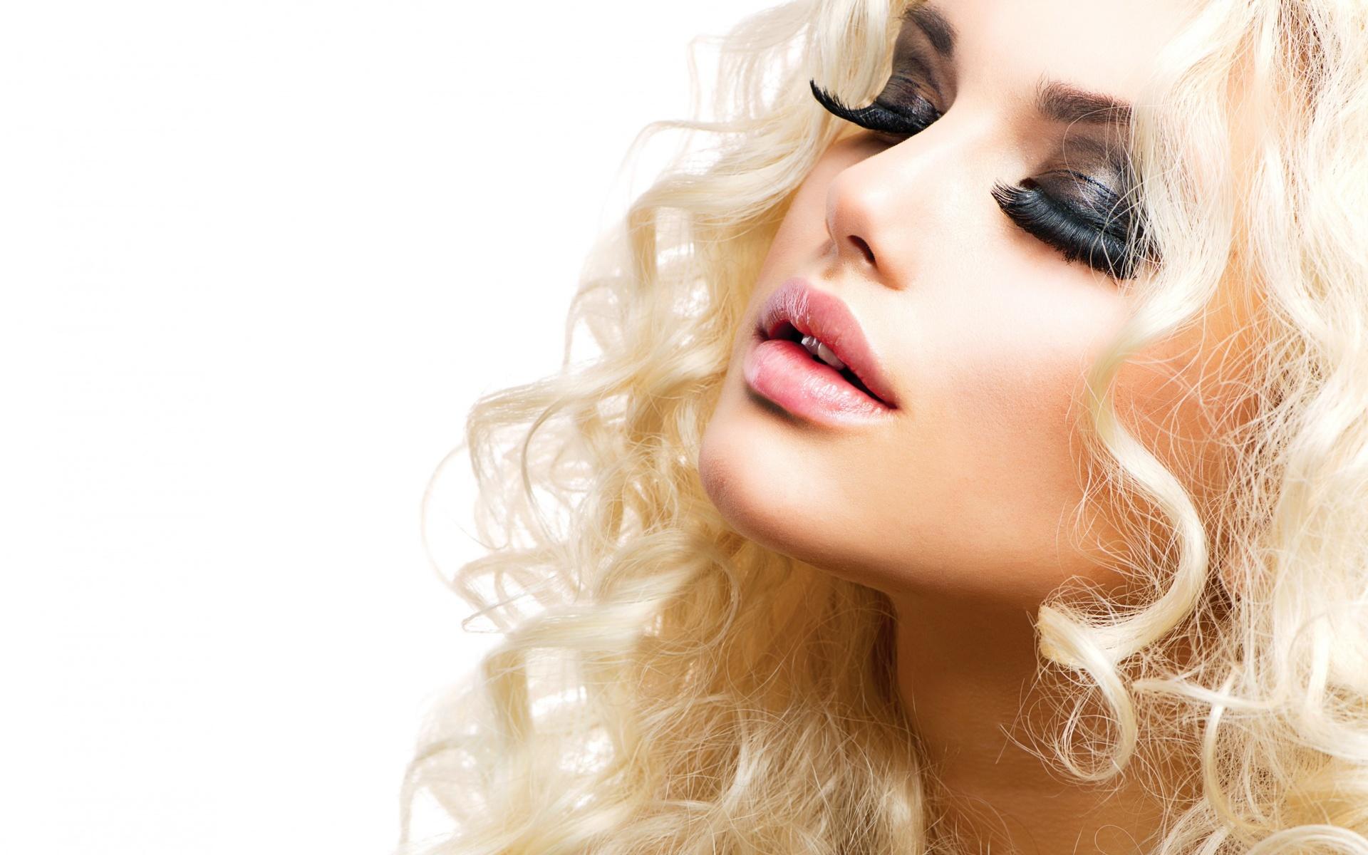 foto-krasivie-devushki-milovidnie-blondinki