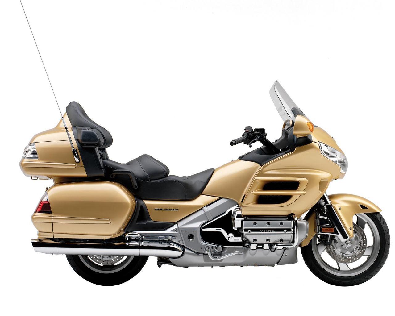 Мотоцикл хонда голд винг фото
