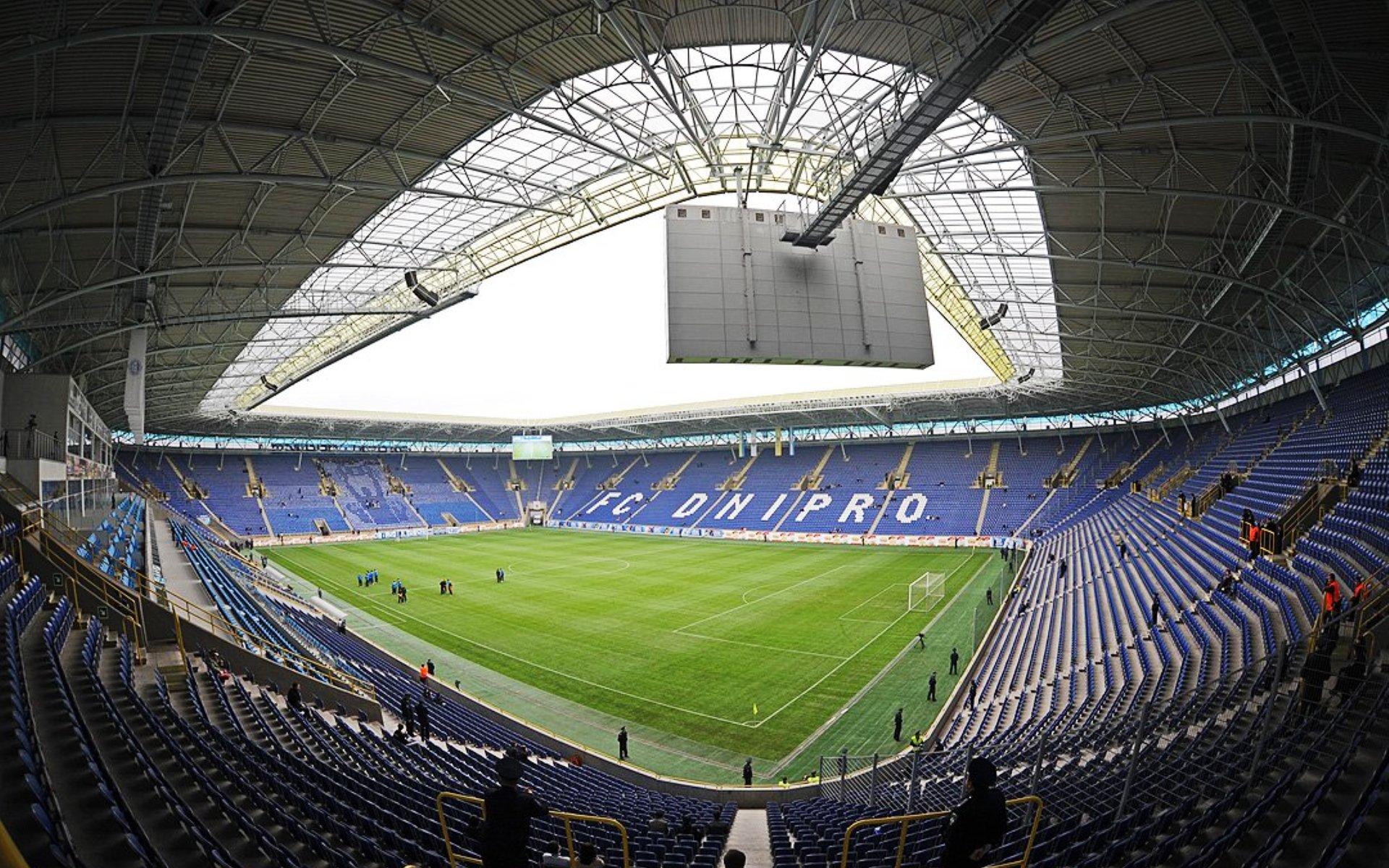 Стадионы в минете 12 фотография