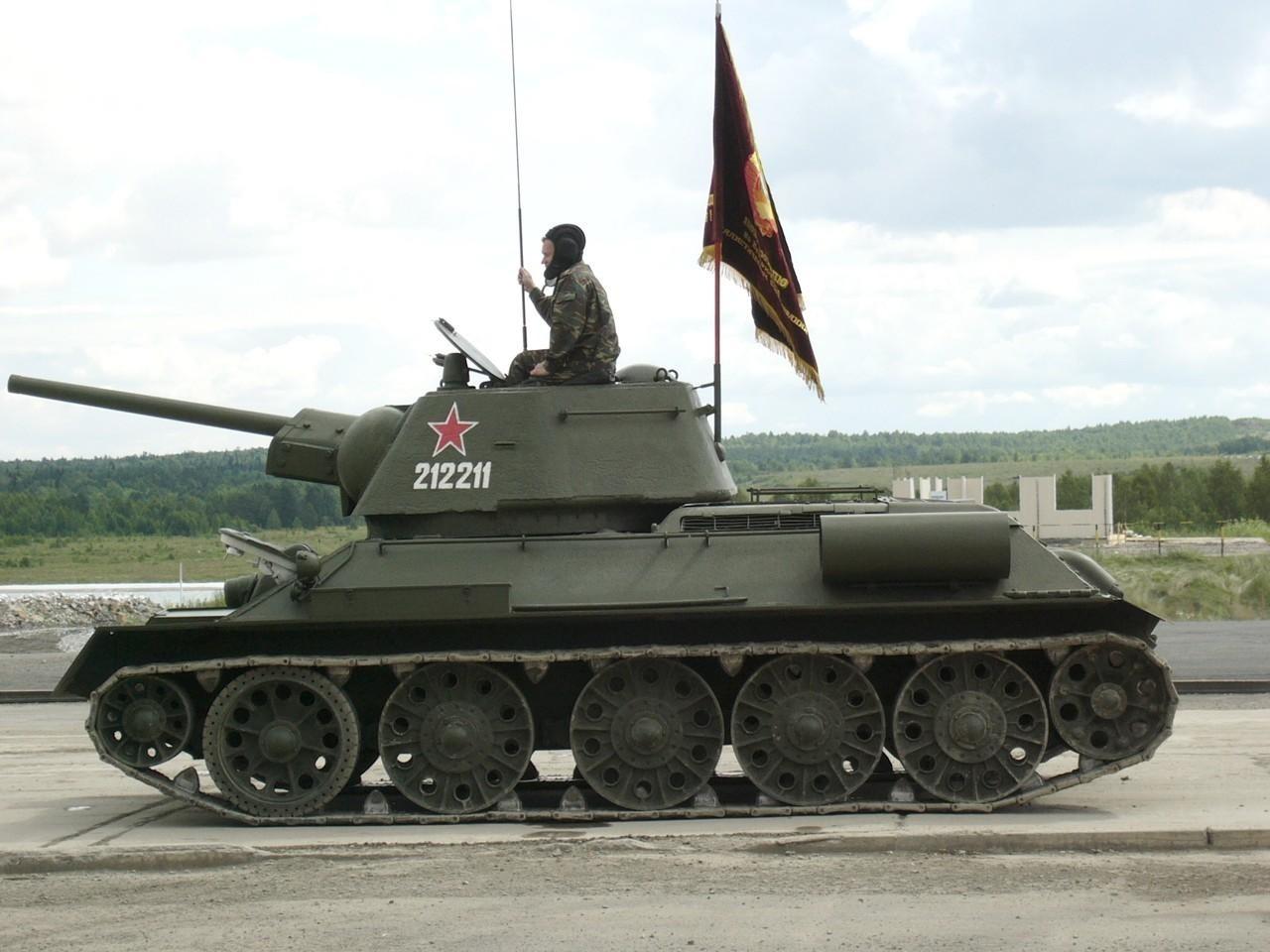Скачать танк т 34 картинку