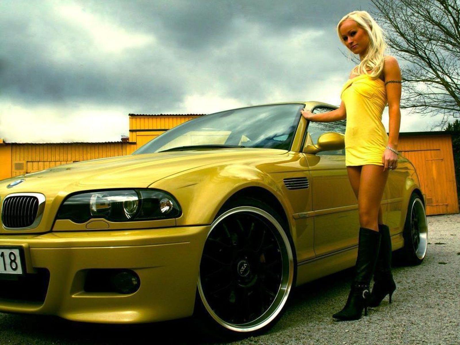 Желтое платье девушки фото