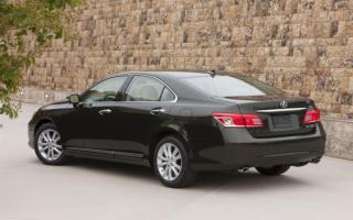 Lexus ES 350   Лексус ES 350 вид сзади