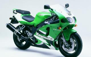 Мотоцикл Кавасаки  ZX 7 R