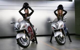 Дженнифер Лопес и Бейонсе на мотоциклах