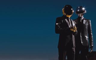 Daft Punk -  французский музыкальный электронный дуэт