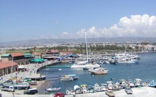 Яхты у берега Кипра