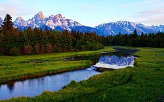 Речка лес горы