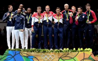Рапиристы на олимпийском пьедестале