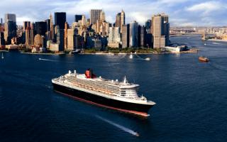 Круизный лайнер  Queen Mary 2 в Нью-Йорке