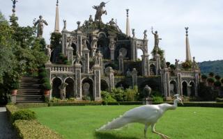 Дворец Борромео в Италии