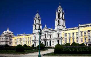 Дворец Мафра в Лиссабоне