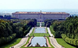 Королевский дворец в Казерте, Италия