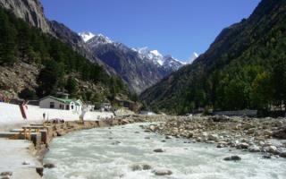 Река Ганг в горах Индии