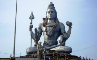 Статуя бога Шивы в Мурудешваре. Индия, штат Карнатака