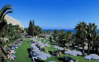 Территория отеля AMATHUS BEACH HOTEL 5. Кипр, Лимассол