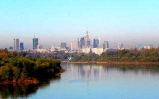 Вид на Варшаву с реки Вислы