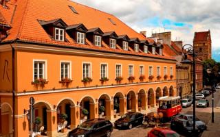 Отель Королева в Варшаве