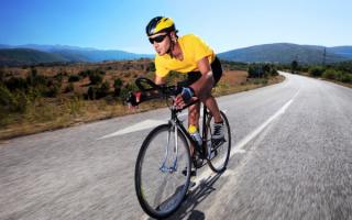 Шоссейный велогонщик