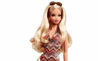 Барби в вязаном платье