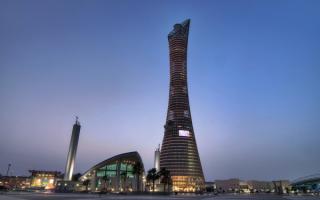Aspire Tower, Доха, Катар. Здание высотой 300 метров