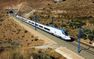 Скоростной поезд AVE Talgo 350