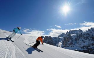 Зимний, солнечный день в Доломитовых Альпах