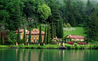 Побережье озера Комо, Италия