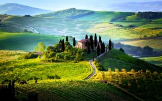 Поля и луга Тосканы, Италия