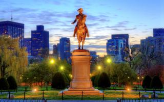Статуя Джорджа Вашингтона в Бостоне
