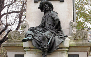 Памятник Д'Артаньяну в Париже
