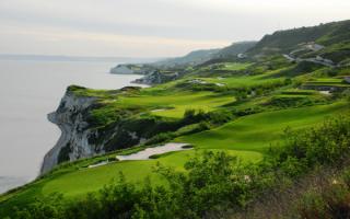 Поля для гольфа на берегу Черного моря в Болгарии