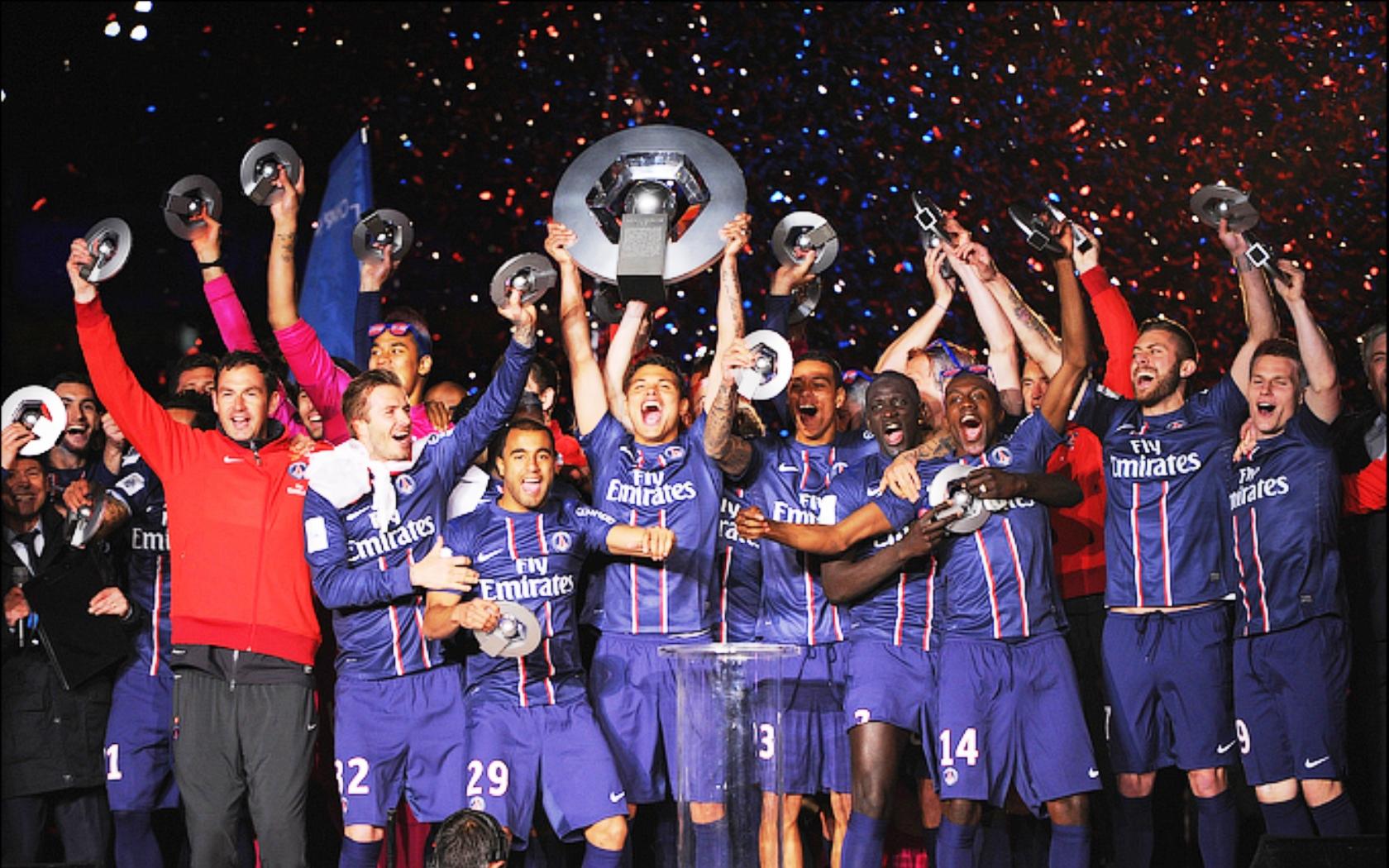 Kartinka Futbolnyj Klub Pszh Chempion Francii 2013 Futbol Sport Kartinki 24 Skachat Kartinki Besplatno